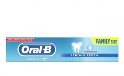 Oral B Toothpaste Extra Fresh Strong Teeth 140 g